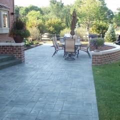 Ashlar Slate Concrete Patio and Brick Seating Wall